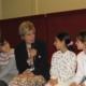 Link naar Prinses Laurentien tijdens taalmarkt in de Poelenburcht in gesprek met kinderen en ouders
